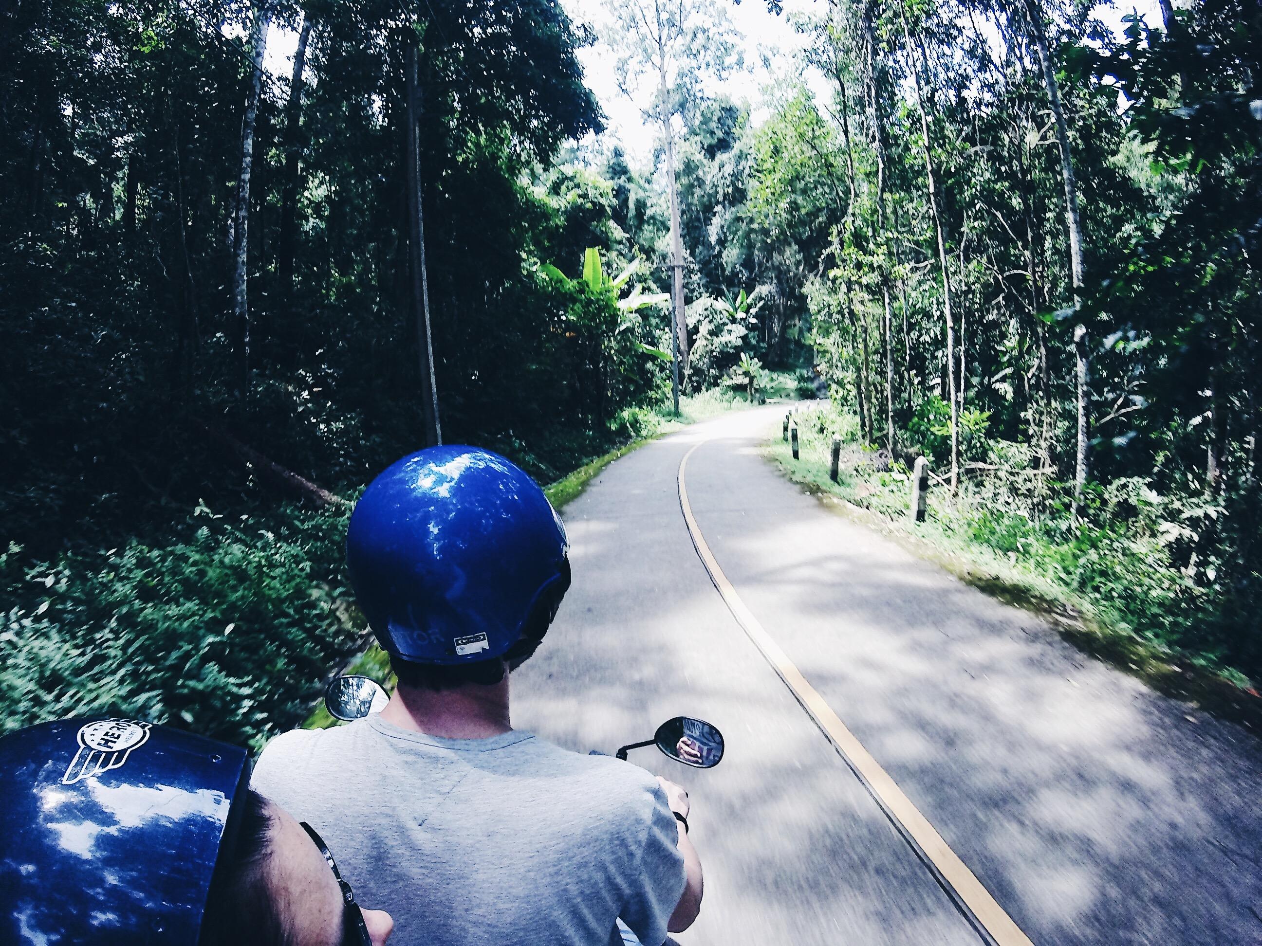 Roller mieten in Thailand, Khao Lak mit dem Roller entdecken, schönste Strände