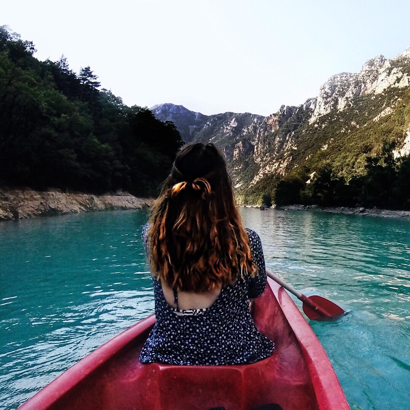 Kanu and blue lake, Adventure, Abenteuter, Schlucht von Verdon, Kanufahren, Urlaub, Kanu leihen Frankreich