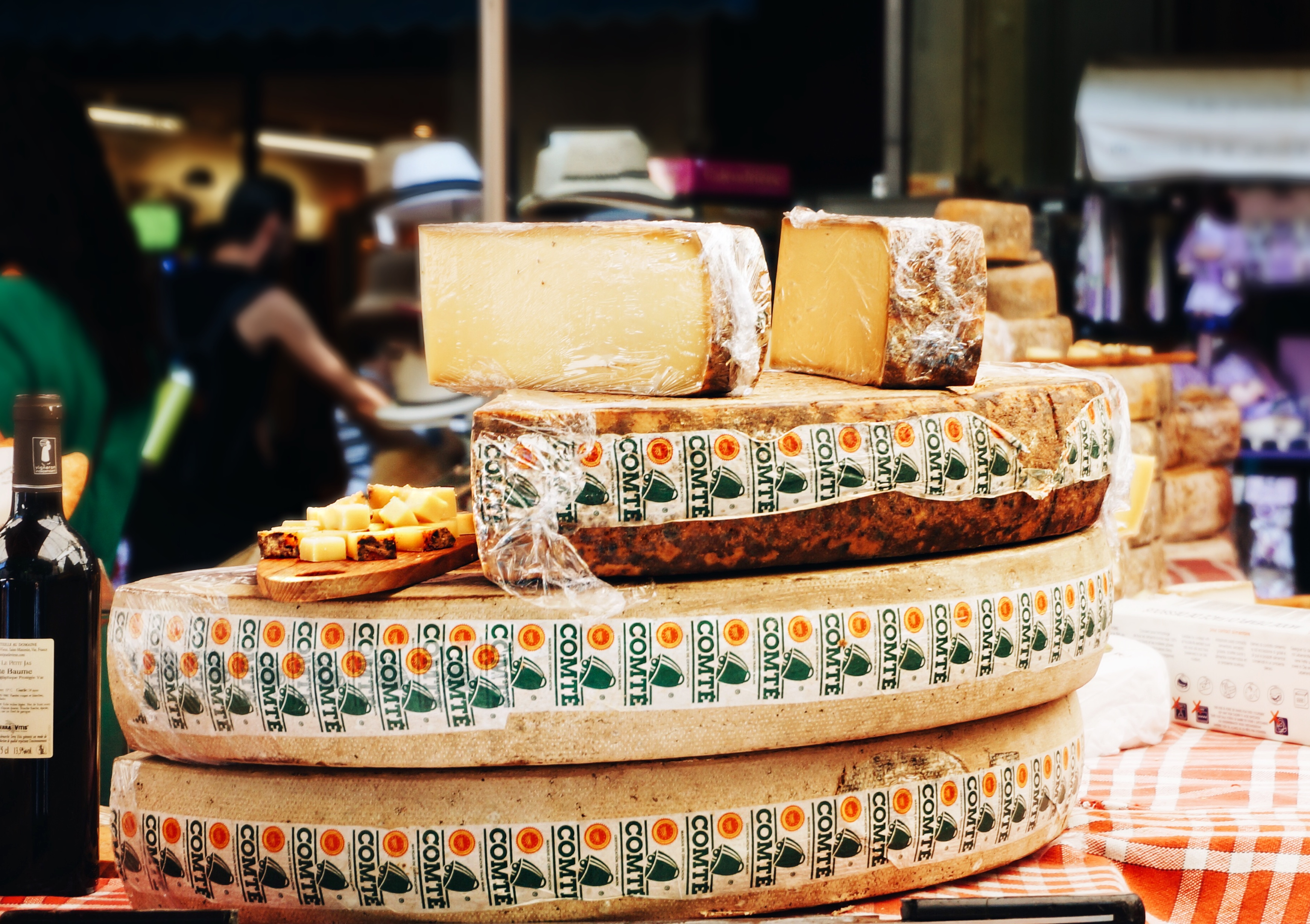 Käse, Markt, Käse in Frankreich, Urlaub Kultur,