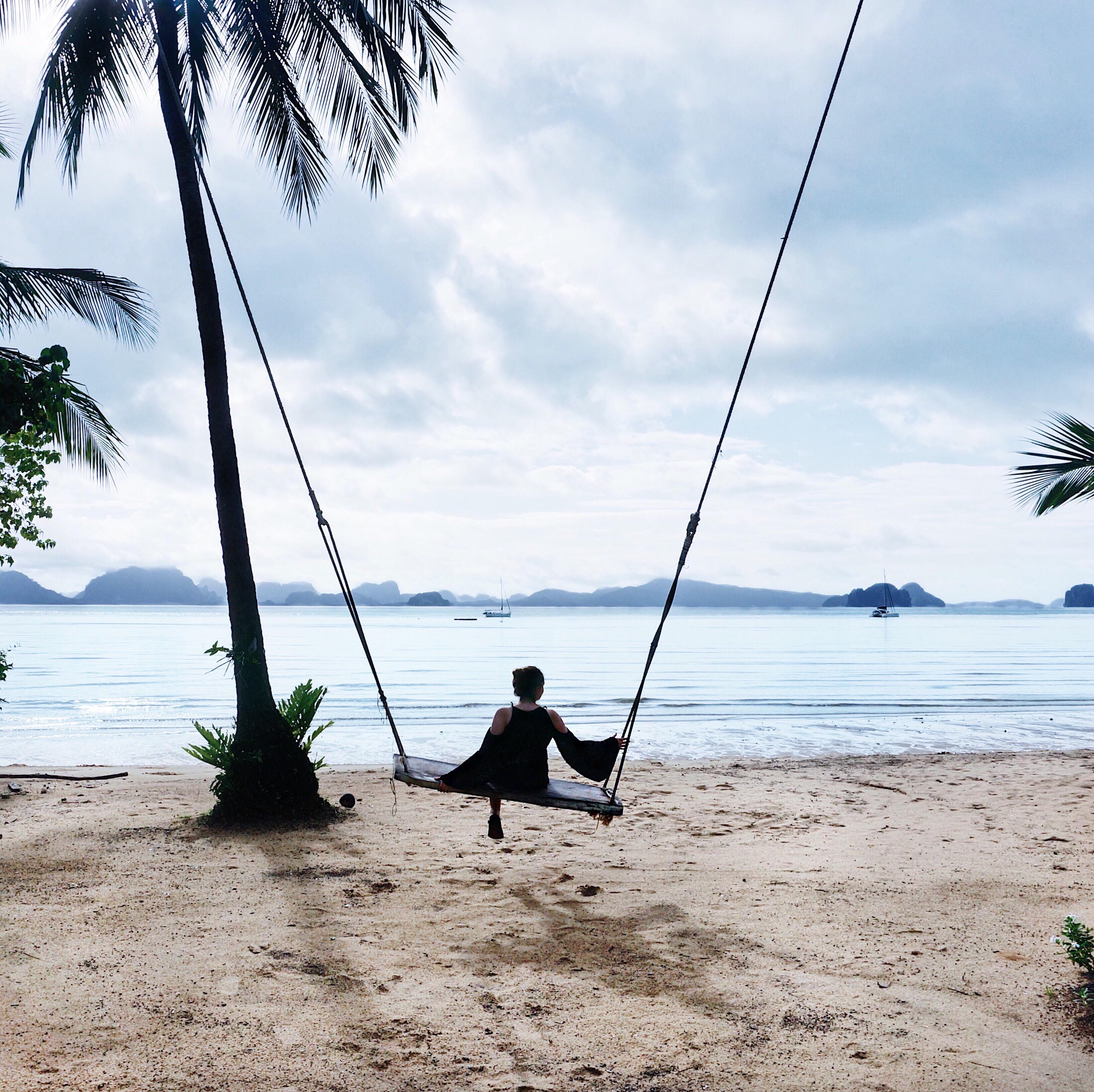 Thailand Inseln Rundreise Luxus urlaub Schaukel am Meer