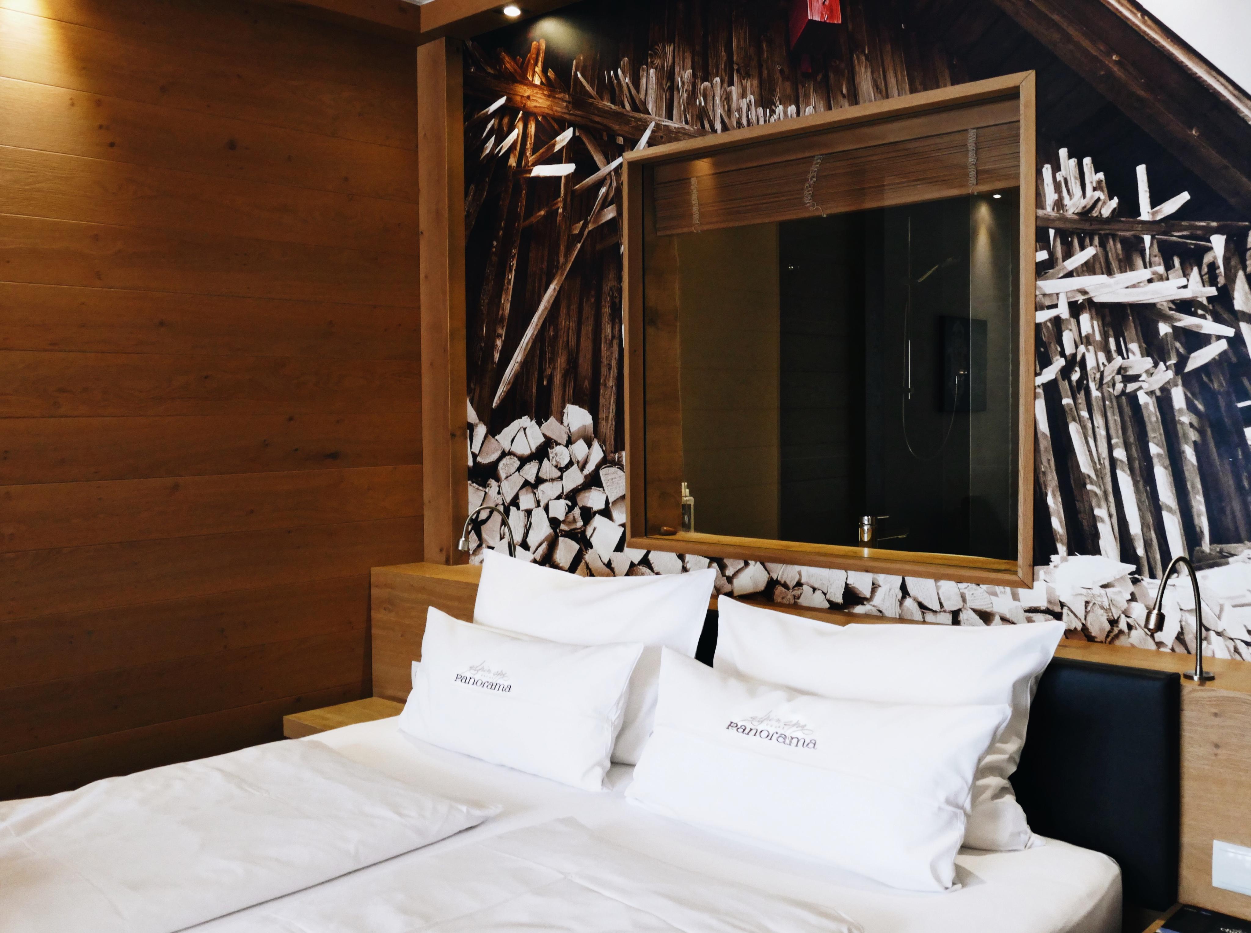 Hotel Berge, Alm Hotel, rustikal außergewöhnlich, Schlafzimmer Doppelzimmer Luxus