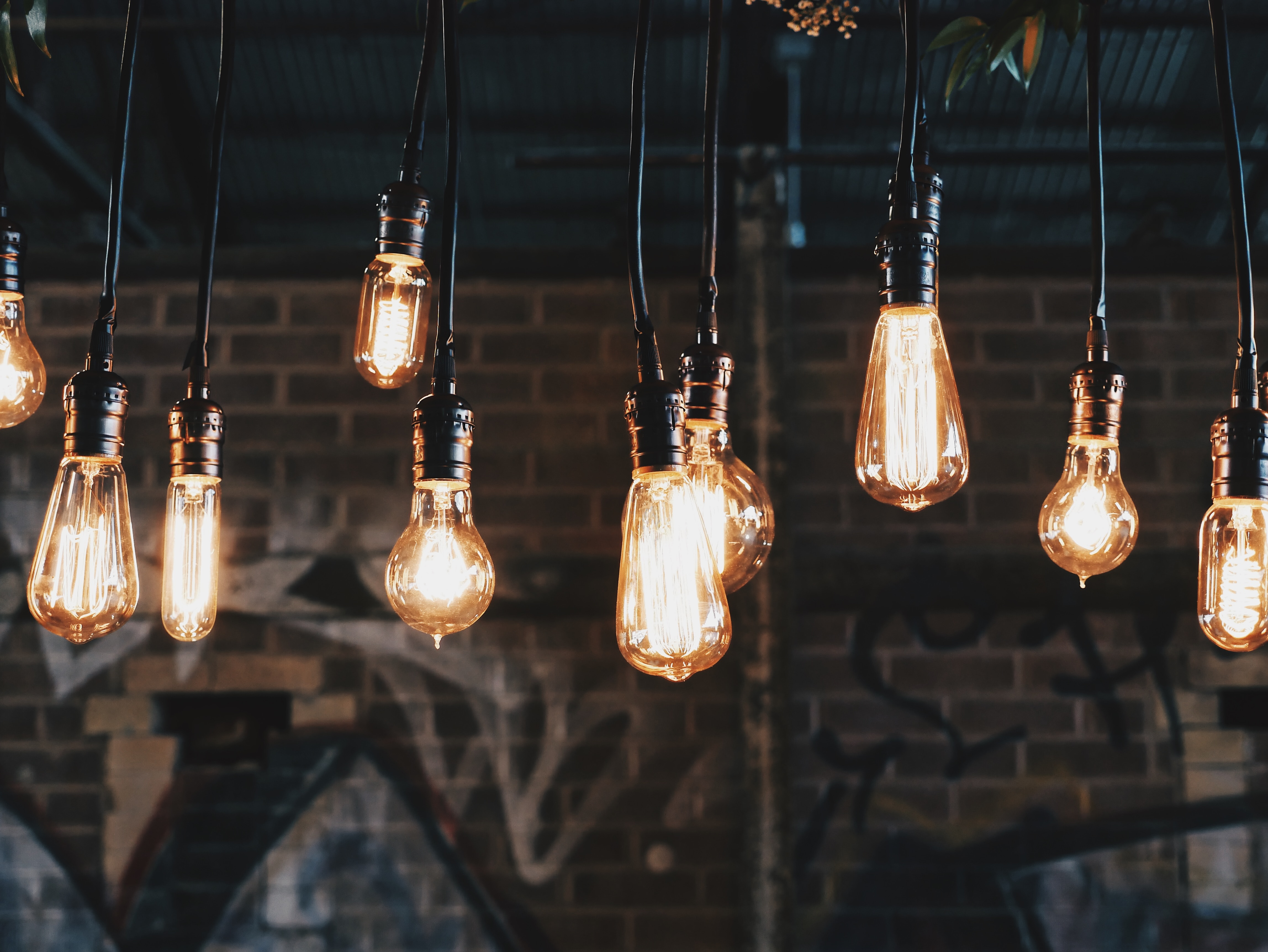 Lampen im Industrial Style – Inspiration für Wohnzimmer, Küche und mehr