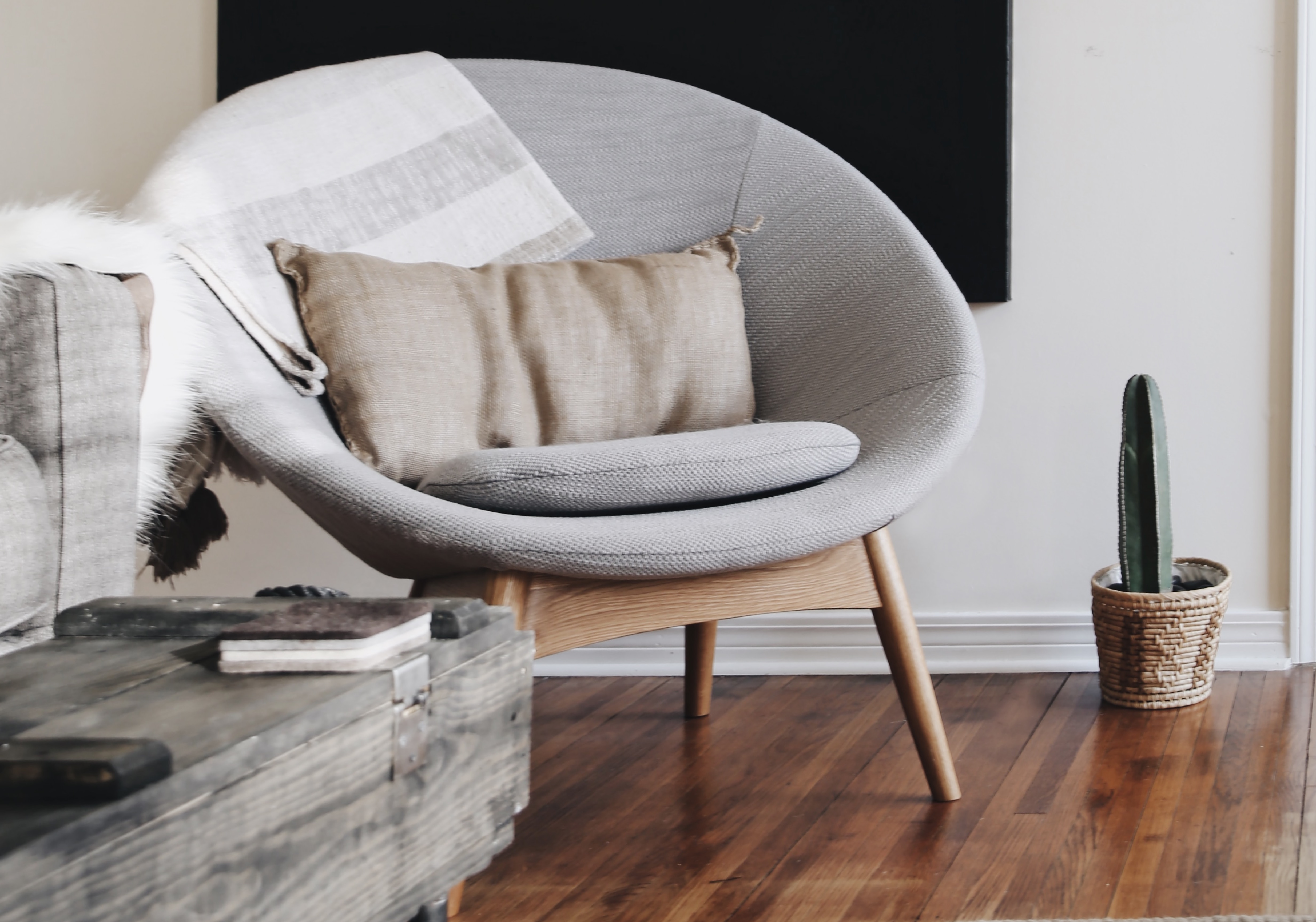 Beautiful Accent chairs for your living room or bedroom under 300$