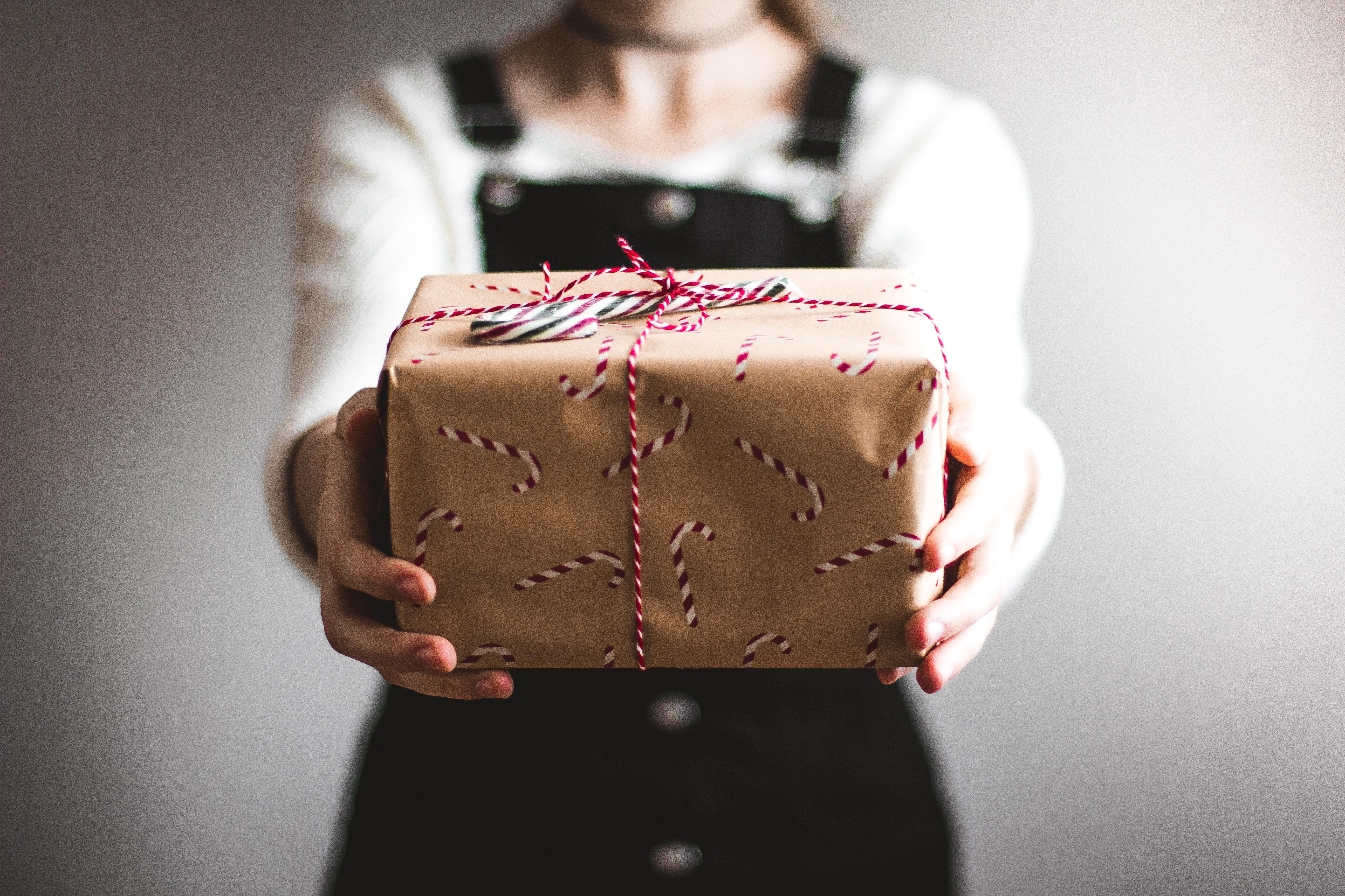 Geschenkideen für Frauen – 25 tolle Geschenkideen für die Freundin, Mama, Schwester oder Frau
