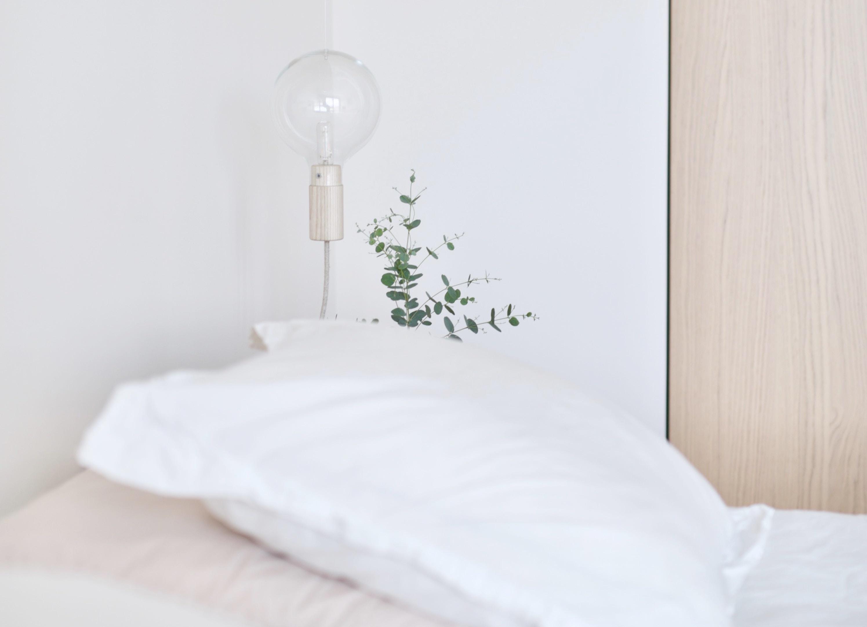 15 scandinavian bedroom lamps – scandi style